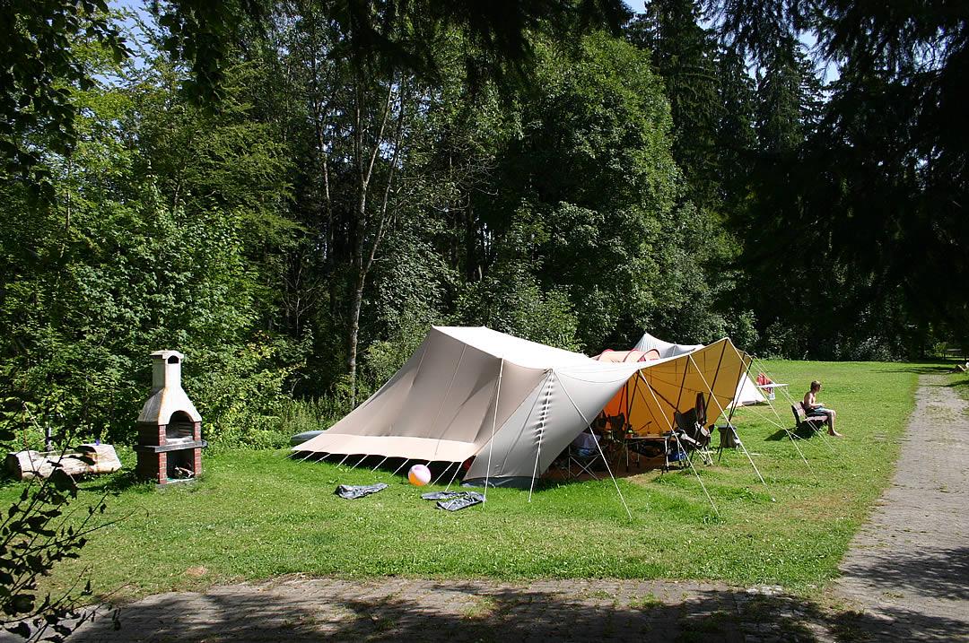 Camping Allgaeu - Campingplatz - Waldbad Isny - 6575