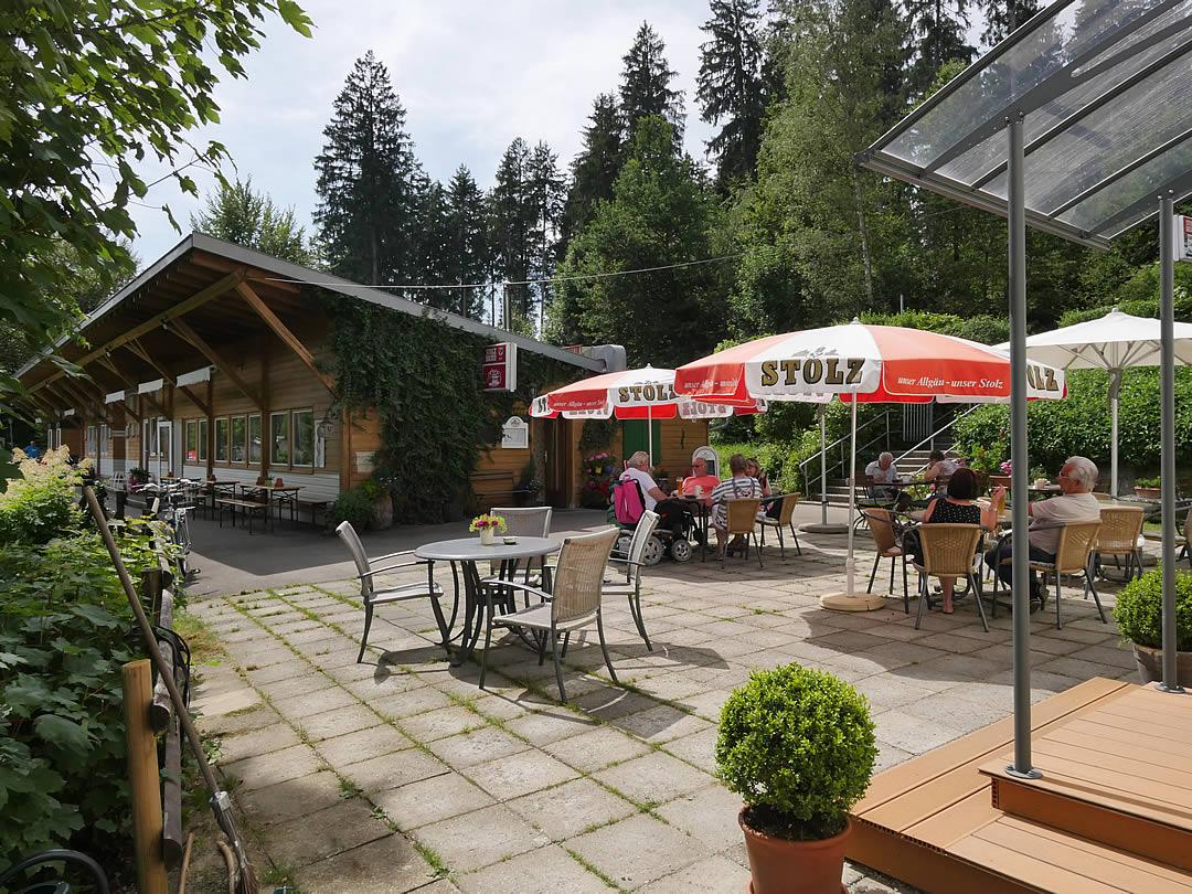Camping Allgaeu - Gaststaette - Waldbad Isny - P2510337