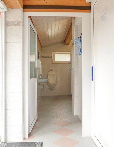 Camping Allgaeu Sanitaeranlage Waldbad Isny P2530443